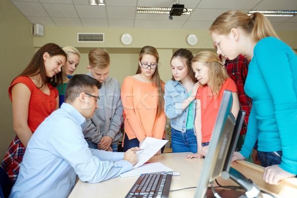 группа студентов учитель школы образование обучения Сток-фото © dolgachov