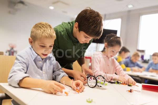 Boldog gyerekek épület robotok robotika iskola Stock fotó © dolgachov