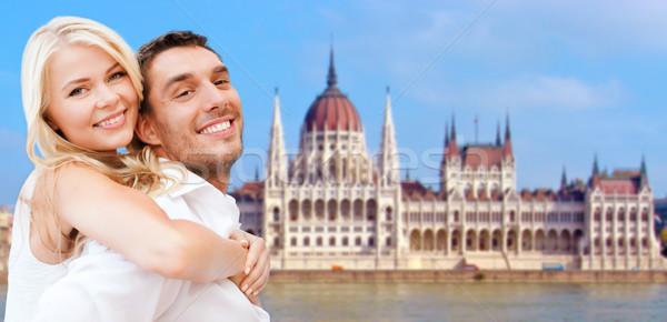 Mutlu çift ev parlamento Budapeşte seyahat Stok fotoğraf © dolgachov