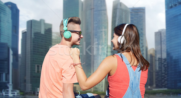 Paar hoofdtelefoon rivier technologie liefde Stockfoto © dolgachov