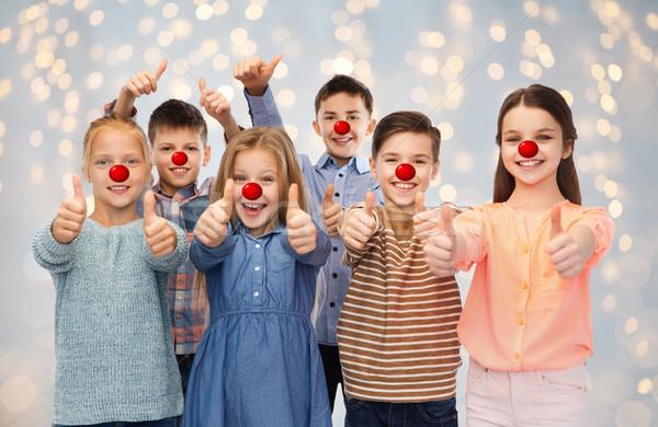 Foto d'archivio: Felice · bambini · rosso · naso