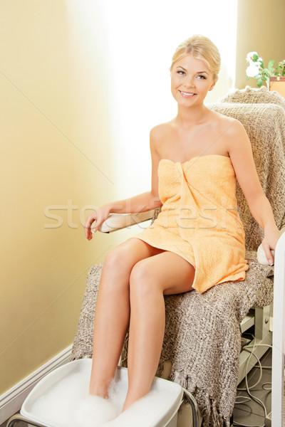 Vrouw spa salon pedicure mooie vrouw lichaam Stockfoto © dolgachov