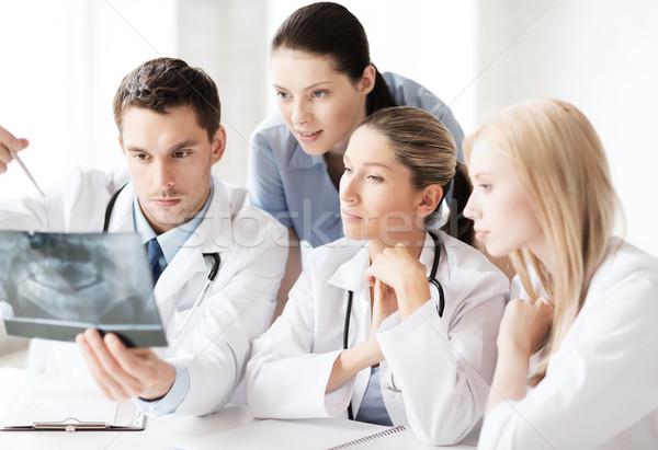 Foto d'archivio: Gruppo · medici · guardando · Xray · sanitaria · medici