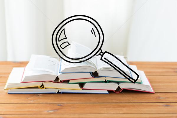Stock fotó: Közelkép · könyvek · asztal · nagyító · firka · oktatás