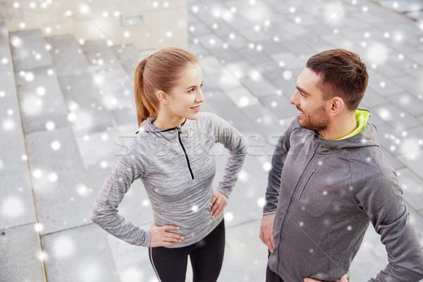 Heureux couple extérieur rue de la ville fitness sport Photo stock © dolgachov