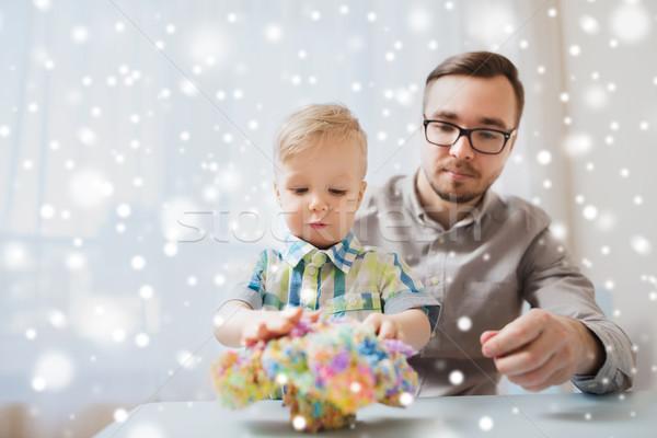 отцом сына играет мяча глина домой семьи Сток-фото © dolgachov