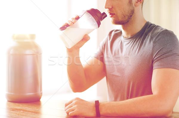 男 飲料 タンパク質 ぶれ スポーツ ストックフォト © dolgachov