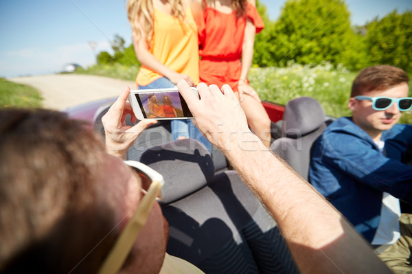 Stockfoto: Vrienden · auto · smartphone · weg · reis