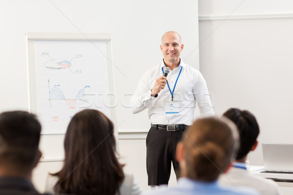 Grup insanlar iş konferans eğitim strateji gülen Stok fotoğraf © dolgachov
