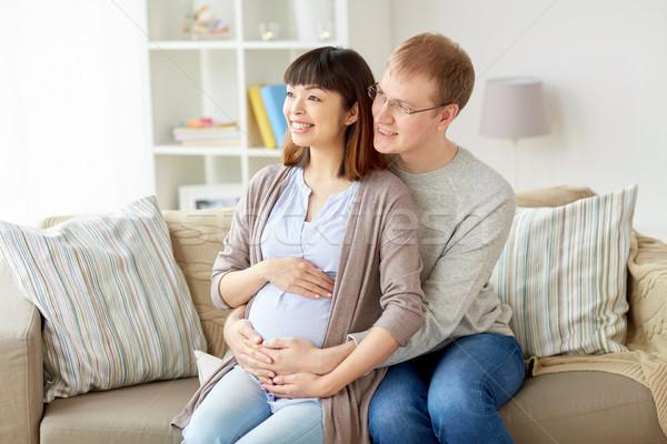 Feliz embarazadas esposa marido casa embarazo Foto stock © dolgachov
