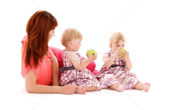 Ikrek kép kettő imádnivaló anya fehér Stock fotó © dolgachov