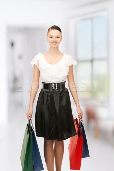 Vásárló nő bevásárlótáskák otthon boldog vásárlás Stock fotó © dolgachov