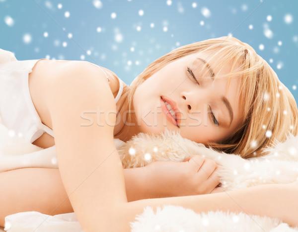 Tienermeisje slapen home gezondheid schoonheid vrouw Stockfoto © dolgachov