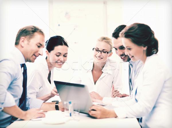 ビジネスチーム 会議 オフィス 優しい ビジネス グループ ストックフォト © dolgachov