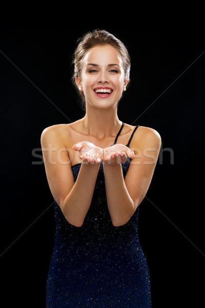 Сток-фото: смеясь · женщину · вечернее · платье · что-то · люди