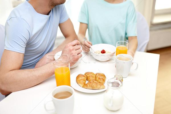 Foto stock: Casal · café · da · manhã · casa · comida · alimentação