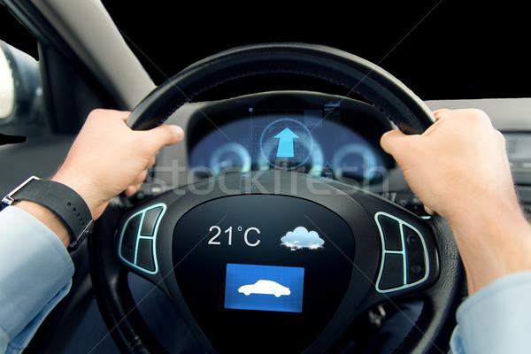 Közelkép férfi vezetés autó időjárás szenzor Stock fotó © dolgachov