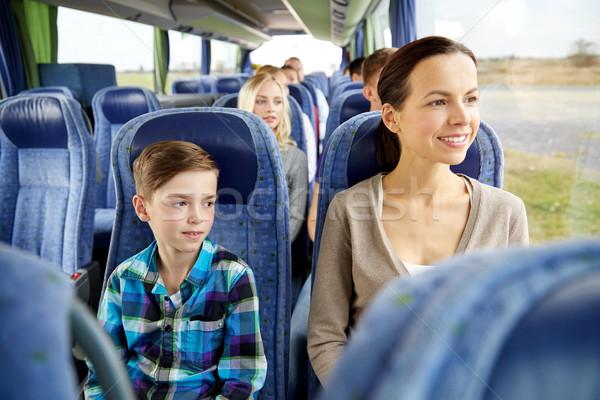 Mutlu aile binicilik seyahat otobüs turizm aile Stok fotoğraf © dolgachov
