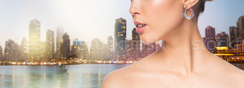 Güzel bir kadın yüz küpe sihir güzellik Stok fotoğraf © dolgachov
