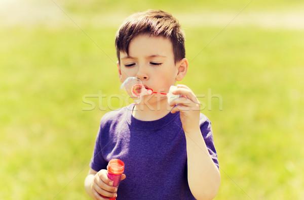 Küçük erkek sabun köpüğü açık havada yaz Stok fotoğraf © dolgachov