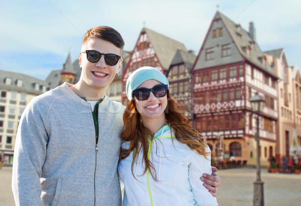 Boldog tini pár Frankfurt délelőtt fő- Stock fotó © dolgachov