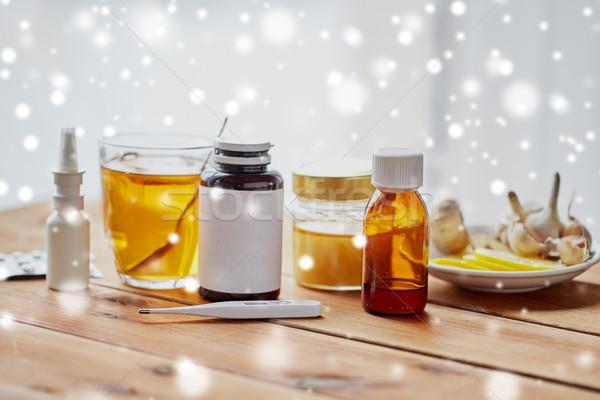 традиционный медицина наркотики здравоохранения грипп деревянный стол Сток-фото © dolgachov