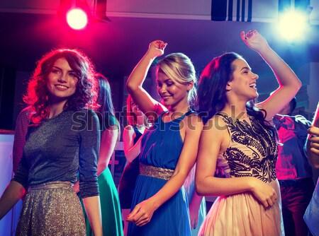 Stok fotoğraf: üç · gülen · kadın · dans · kulüp · parti