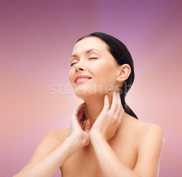 Mosolyog fiatal nő csukott szemmel szépségszalon egészség nő Stock fotó © dolgachov