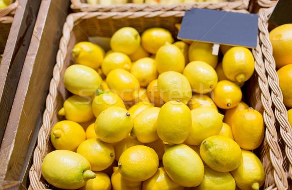 Olgun limon gıda pazar satış alışveriş Stok fotoğraf © dolgachov