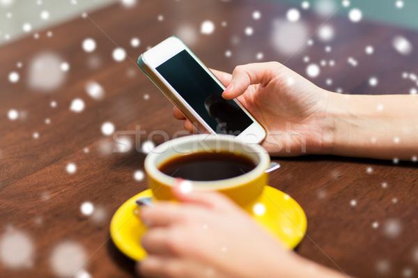 女性 スマートフォン 飲料 コーヒー カフェ ドリンク ストックフォト © dolgachov