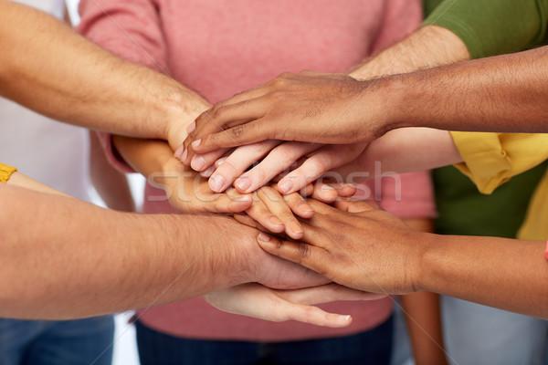 Stockfoto: Groep · internationale · mensen · handen · samen · vriendschap