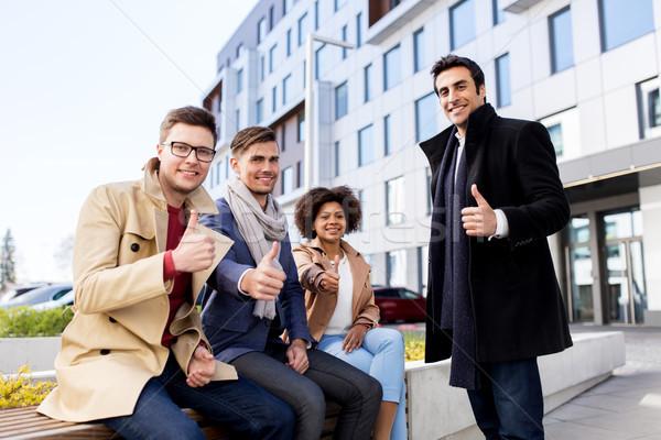 Business internazionale squadra business gesto Foto d'archivio © dolgachov