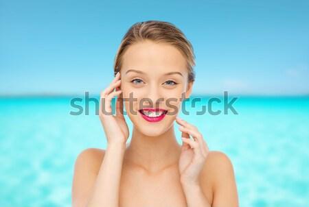 Feliz sorridente mulher jovem cabelo loiro penteado pessoas Foto stock © dolgachov