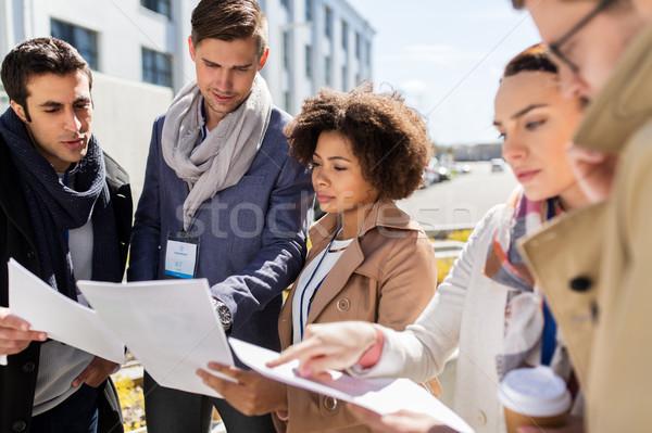 Takım kağıtları şehir iş eğitim Stok fotoğraf © dolgachov