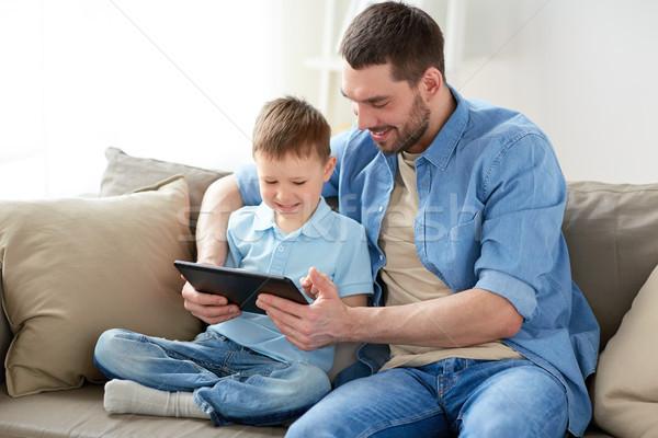 Hijo de padre jugando casa familia paternidad Foto stock © dolgachov