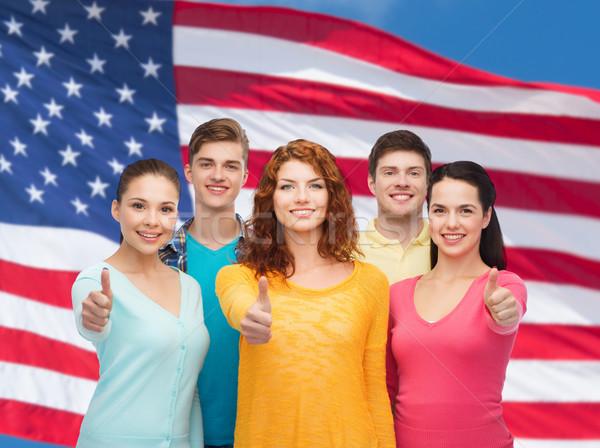 Foto stock: Grupo · sonriendo · adolescentes · bandera · de · Estados · Unidos · amistad · personas