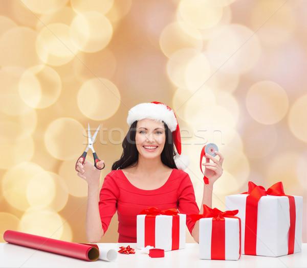 笑顔の女性 サンタクロース ヘルパー 帽子 贈り物 ストックフォト © dolgachov