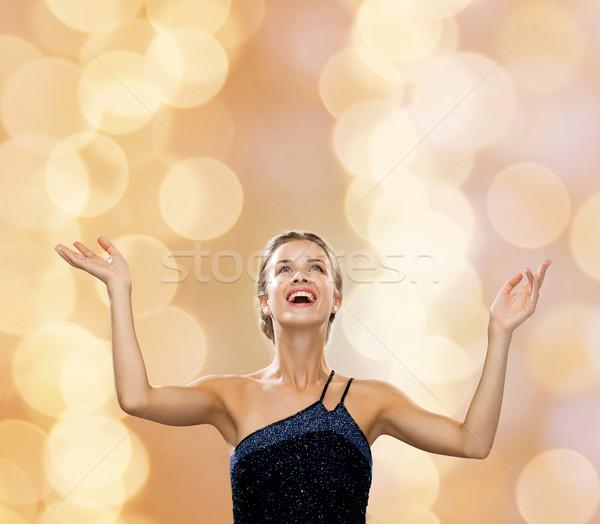 Сток-фото: улыбающаяся · женщина · рук · люди · счастье · праздников