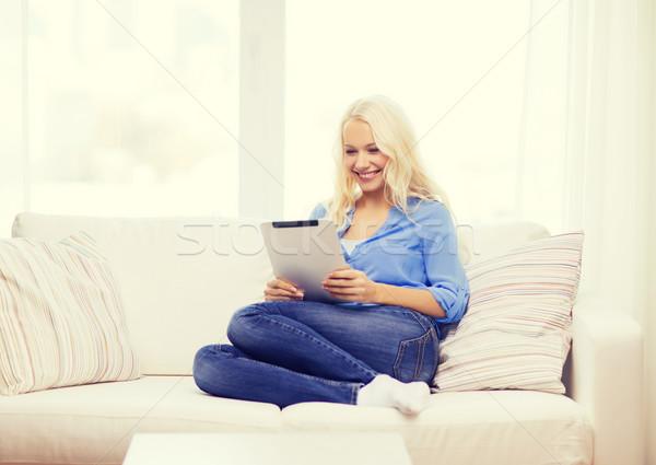 Uśmiechnięta kobieta komputera domu działalności technologii Zdjęcia stock © dolgachov