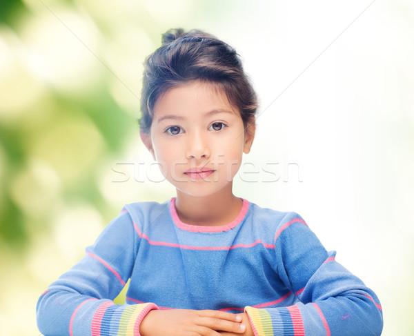 Küçük kız yeşil çocukluk insanlar mutluluk küçük Stok fotoğraf © dolgachov