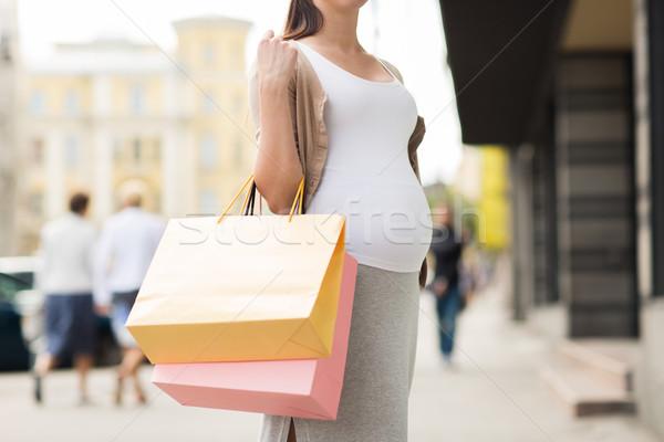 Hamile kadın şehir sokak gebelik annelik insanlar Stok fotoğraf © dolgachov