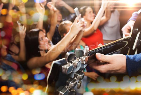 Personas música concierto club nocturno vacaciones Foto stock © dolgachov