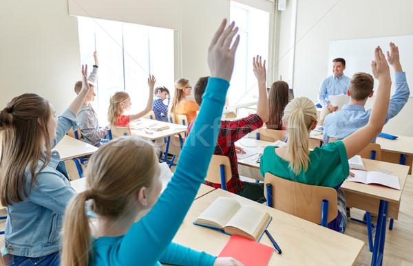 Gruppo liceo studenti insegnante istruzione insegnamento Foto d'archivio © dolgachov