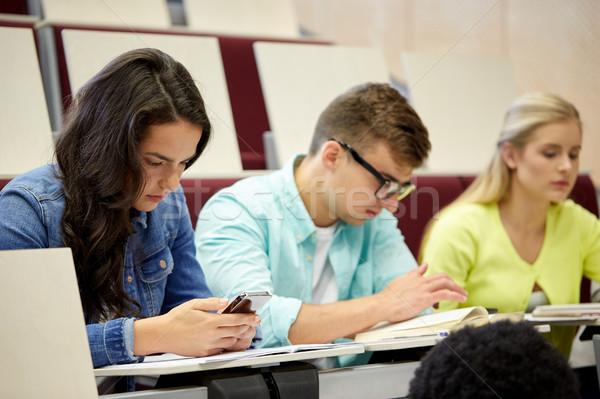 Grupo estudantes palestra educação escola secundária Foto stock © dolgachov