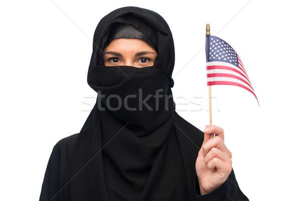 Muszlim nő hidzsáb amerikai zászló bevándorlás emberek Stock fotó © dolgachov
