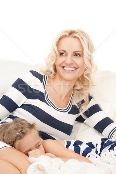 Boldog anya alszik lány fényes kép Stock fotó © dolgachov