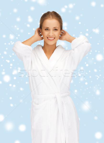 Gyönyörű nő fehér fürdőköpeny gyógyfürdő szépség boldogság Stock fotó © dolgachov