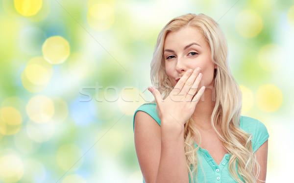 Mosolyog fiatal nő tinilány befogja száját kézmozdulat nyár Stock fotó © dolgachov