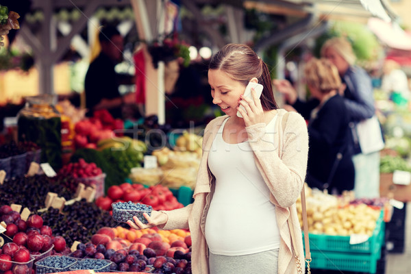 ストックフォト: 妊婦 · 呼び出し · スマートフォン · 市場 · 販売 · ショッピング