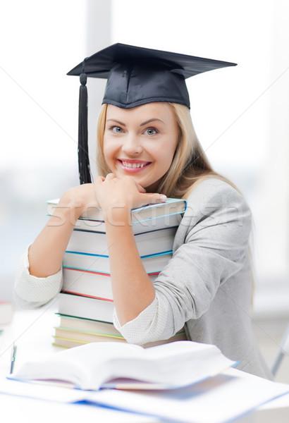Estudiante graduación CAP Foto feliz Foto stock © dolgachov